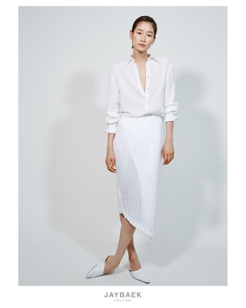 WHITE LINEN PLEATS SKIRT