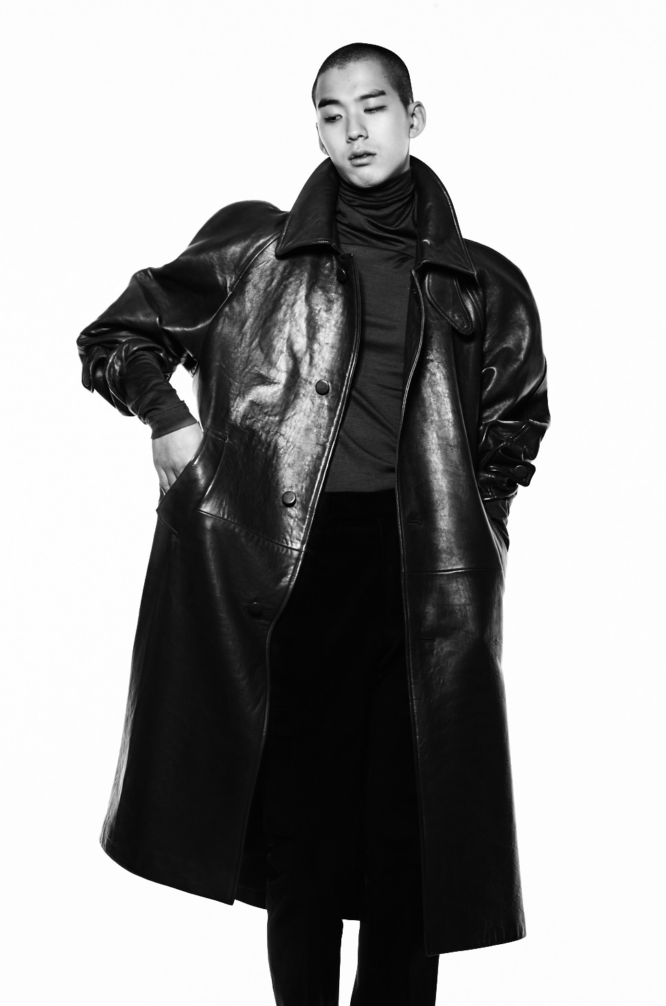 BLACK LEATHER OVERSIZED COAT