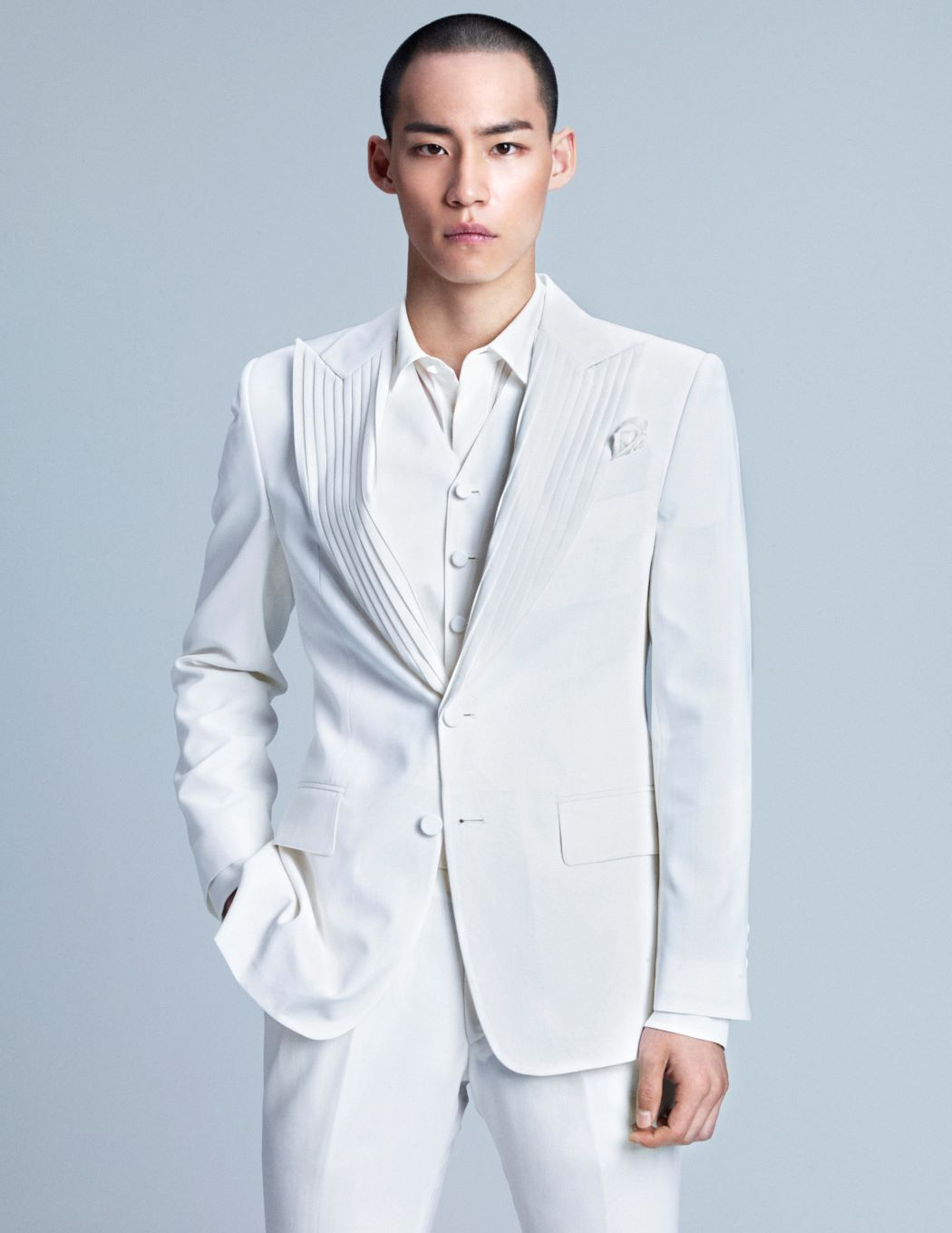 WHITE PLEATED LAPEL SINGLE JACKET